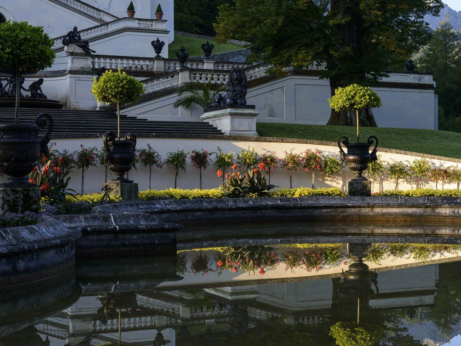Wandern Auf Dem Spitzenwanderweg Von Grainau Zum Schloss Linderhof